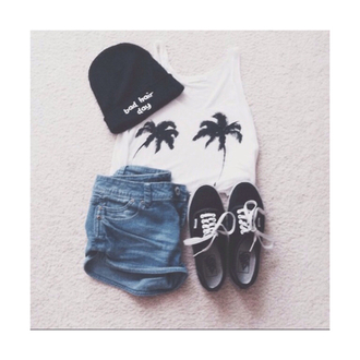 t-shirt palm tree print sea vacation vans of the wall short denim small girl woman grunge indie alternative hat so cool classy fine nice