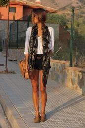 scarf,skull,shorts