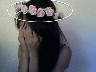 hair accessory light pink color baby pink colour pink rose pink roses pink rose chain hot style lookbook grunge roses