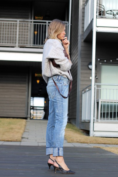 the fashion eaters blogger jeans sweater bag shoes