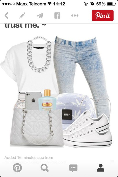 t-shirt jeans jewels