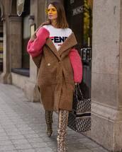 coat,oversized coat,teddy bear coat,snake print,thigh high boots,handbag,zara,maxi bag,fendi,logo tee,yellow sunglasses