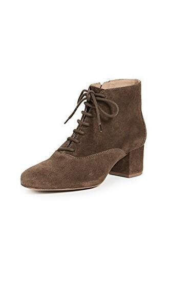 lace up boots lace shoes