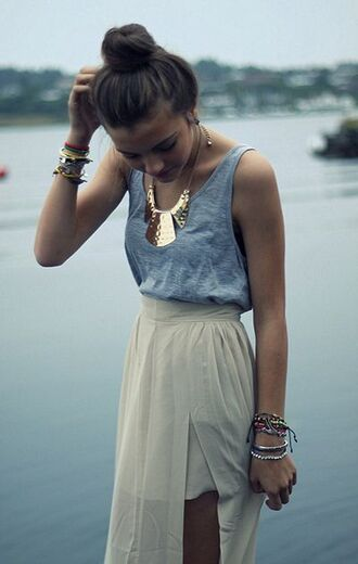 skirt maxi skirt maxi pretty skinny iwantit nice nice outfit cute outfits cute cute skirts beige beige skirts grey grey top girly girly outfits tumblr girly outfits girly outfit braclets