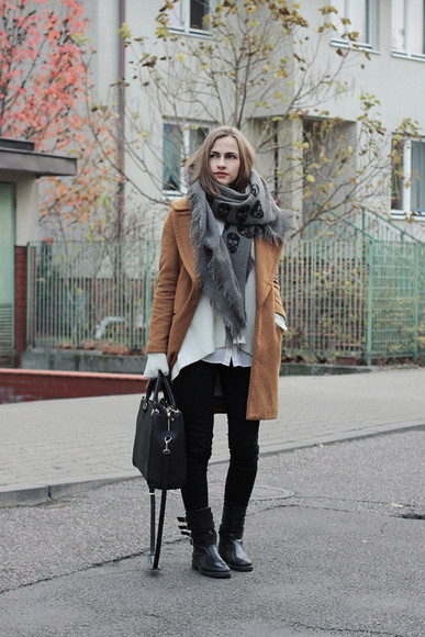 leather bag blogger so in carmel camel coat