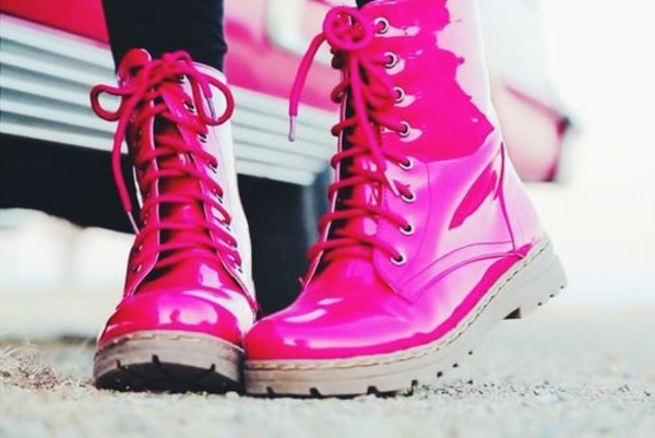 DrMartens lithuania hot pink