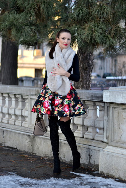 my silk fairytale blogger bag circle skirt thigh high boots floral skirt