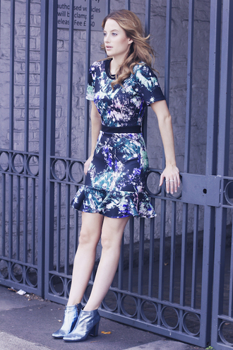 at fashion forte blogger jewels printed dress holographic boots
