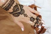 nail accessories,henna