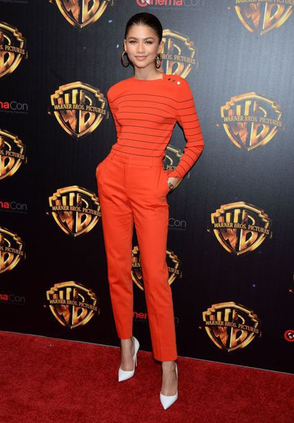 pants top red pumps zendaya