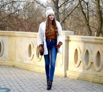 only my fashion style blogger coat gloves shoes bag white coat beanie winter outfits boots