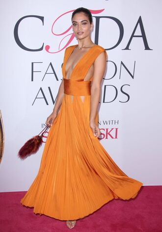 dress shanina shaik orange orange dress plunge dress plunge neckline maxi dress gown prom dress long prom dress sandals clutch model pleated pleated dress the blonde salad blogger