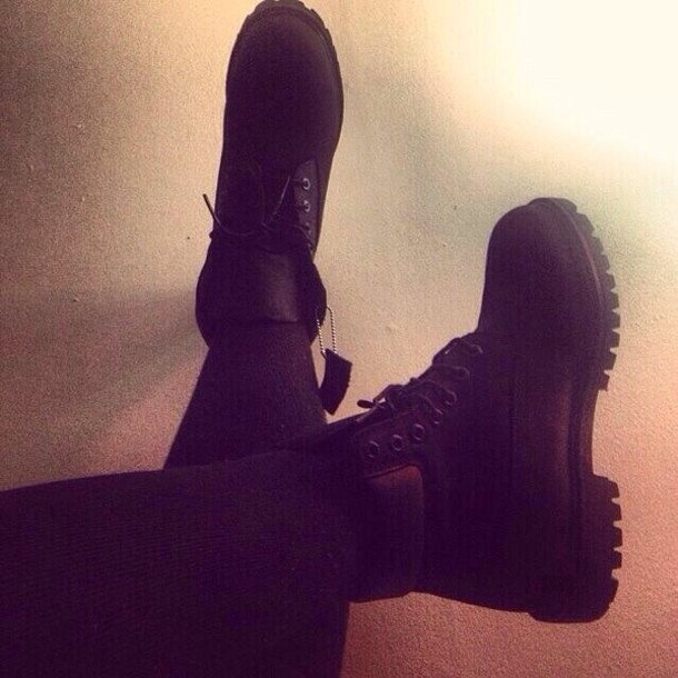 shoes black sneakers boots timberlands black timberlands timb fashion