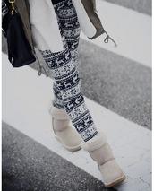 pants,black,white,leggings,christmas leggings,deer,snow