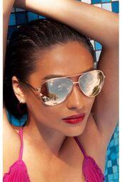 sunglasses,quay australia,quay,sunnies,rose gold,rose gold sunglasses,aviator sunglasses,pink sunglasses,mirrored sunglasses,free vibrationz,freevibrationz