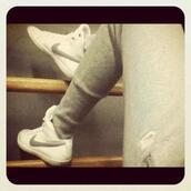 shoes,sportswear,nike,white,grey,shorts,pants