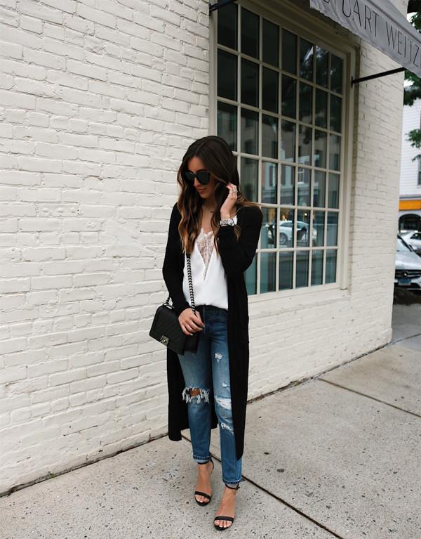 8e32bda0fc04 somewherelately blogger tank top jeans shoes sunglasses bag.