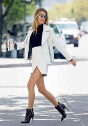 skirt,fashion,style,white,outfit,chic,pretty,office outfits,asymmetrical skirt,designer,summer outfits,spring outfits,classy,blonde hair,high waist skirts,rich fashion,nyc fashion,new york city,black,suit,jacket,shoes