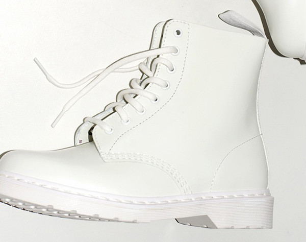 shoes DrMartens white