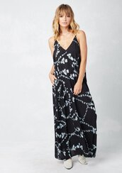 dress,floral dress,floral,maxi,floral maxi dress,maxi dress,sleeveless dress,lowback dress,bohemian dress,boho dress,boho,boho chic,fall dress,fall outfits