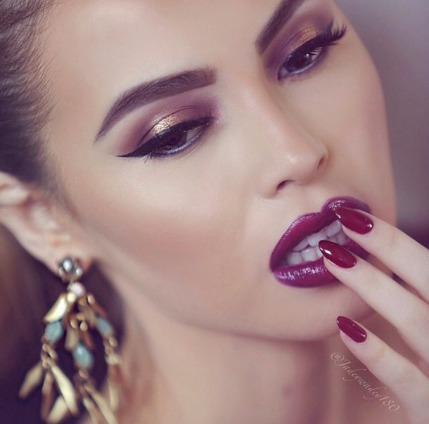 make-up shimmery eyes cherry lips pretty cute model shimmer dark colour burgundy maroon/burgundy velvet velvetlipstick brown eyebrows eyebrows on fleek eyeliner shimmery contour blush cute look almond nails