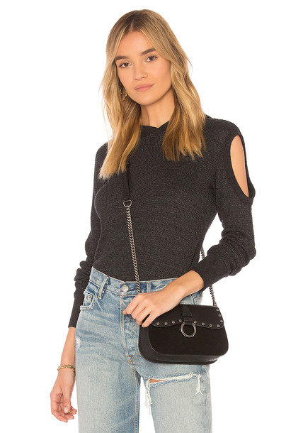 Wilt long cold black top
