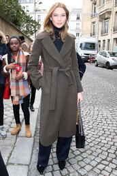 coat,karlie kloss,model off-duty,streetstyle,fashion week 2016,paris fashion week 2016