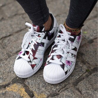 shoes girl girly adidas girly wishlist adidas shoes adidas superstars adidas originals floral low top sneakers floral sneakers summer fashion style cool white sneakers spring purple trendy boogzel