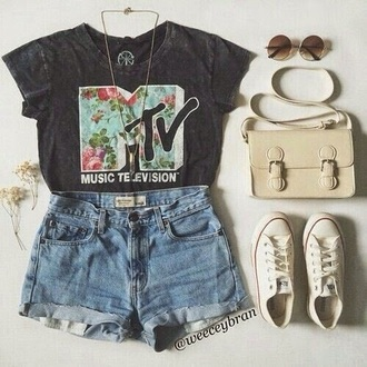 mtv t-shirt flowers graphic letters top