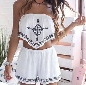 white romper boho tribal pattern 2 piece outfit shoes top white shorts shorts tumblr outfit sleeveless white crop tops white top style crop tops coord cute top summer top summer shorts shirt jumpsuit summer cute pattern white and blue tank top jewels dress outfit coat two-piece t-shirt white t-shirt aztec crop top strapless top black top 2 piece skirt set coords co-ordinates festival cute outfits