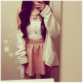 jacket,clothes,skirt,leather,crop tops,top,bandeau,bustier,white,sweater,necklace,gold,lace,blouse