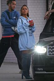 sweater,boots,over the knee,hoodie,sweatshirt,oversized,ariana grande