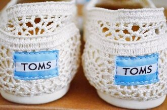 shoes toms cool pretty summer trendy blue white white shoes lace shoes