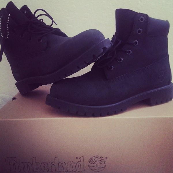 shoes black timberlands boots black boots beauty fashion shopping nice