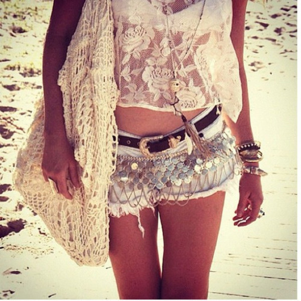 shorts shirt jewels belt bag