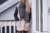scarf,grey scarf,grey,winter outfits,cozy,coat