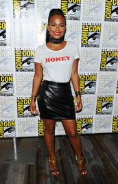 skirt,top,high heels,shoes,bracelets,leather,ponytail,christina milian,summer,summer outfits,summer shoes,comic con