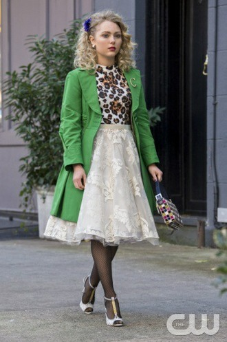 coat the carrie diaries carrie bradshaw green coat vintage new york skirt shoes