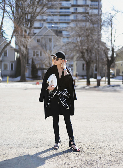 jacket bag shoes scarf jewels jeans t-shirt ordinary people hat