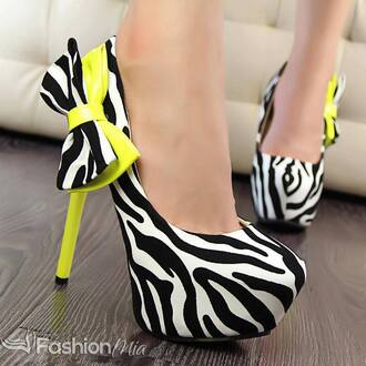 yellow shoes zebra print