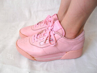 shoes sneakers reebok 90´s 1990s 1990 platform sneakers platform shoes vintage trainers girly pink girls sneakers trainers chic