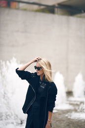 oracle fox,blogger,coat,all black everything,black jacket