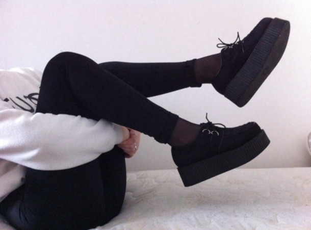 ae8156380e04 shoes creepers platform shoes black creepers pants black and white creeper black  black shoes hat style.