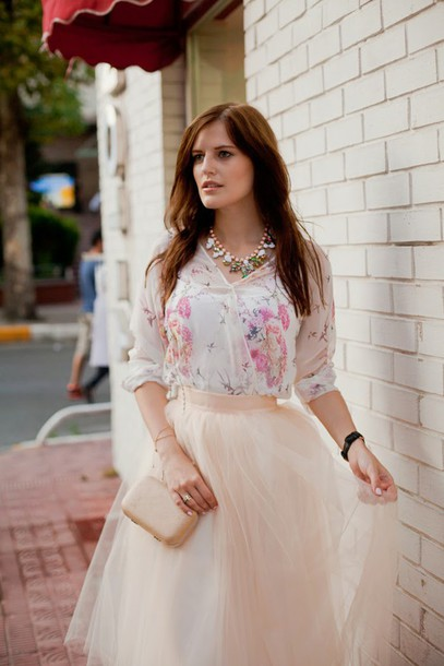 the bow-tie blogger skirt blouse shoes jewels bag