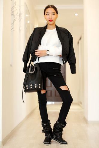 aibina's blog blogger black ripped jeans bucket bag bomber jacket white sweater black boots