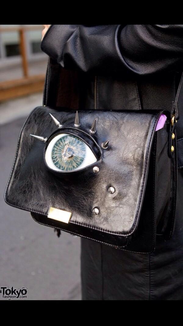 bag eye studs