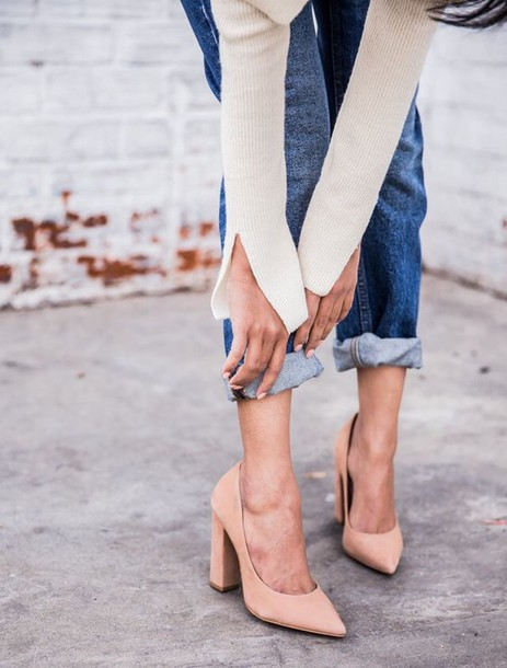 shoes nude heels block heels thick heel fall accessories slit sweater beige sweater nude pumps pointed toe pumps pumps high heel pumps tumblr cuffed jeans denim jeans blue jeans