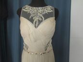 dress,vainilla,chiffon,beaded bodice,white prom dress