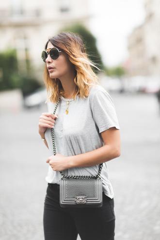 five five fabulous blogger bag grey t-shirt chanel bag chain bag