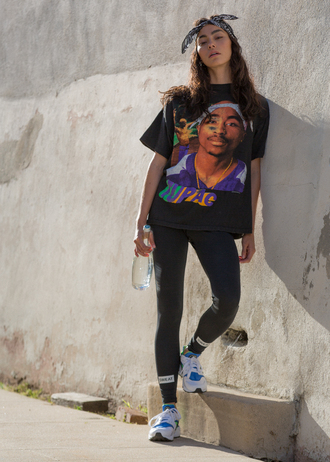 sweat the style blogger t-shirt tights shoes
